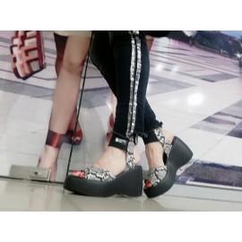Дамски сандали с платформа H519