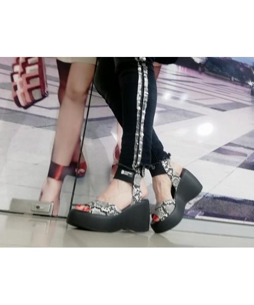 Дамски сандали с платформа H519 - DICIANI