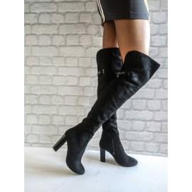 Дамски ботуши - чизми черен велур със синжир и плочка отзад B125