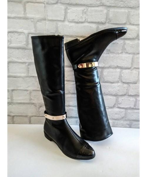 Дамски ботуши черна кожа и лак с метална лайсна на глезена 4-154