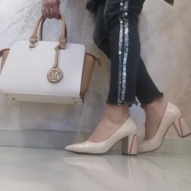 Дамски обувки беж лак K657